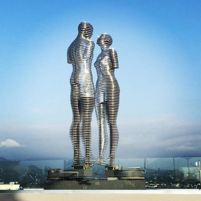 The Moving Statues of Love
