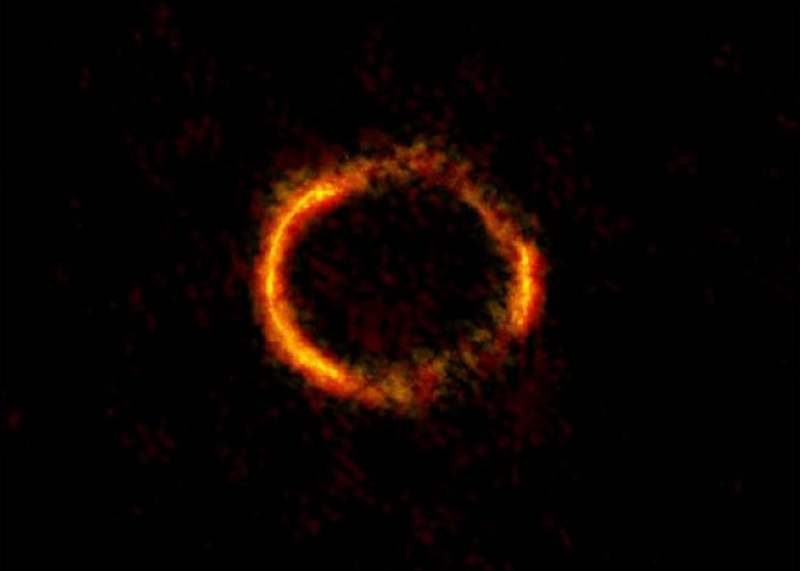 wordlessTech | Weighing a Black Hole by Einstein Ring ...