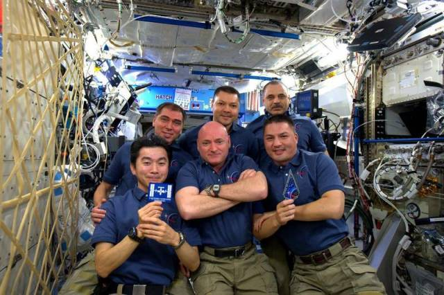 15 years anniversary of the International Space Station (2)
