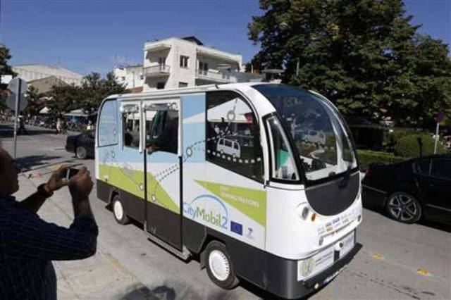 Driverless Buses are now transferring Passengers in Greece