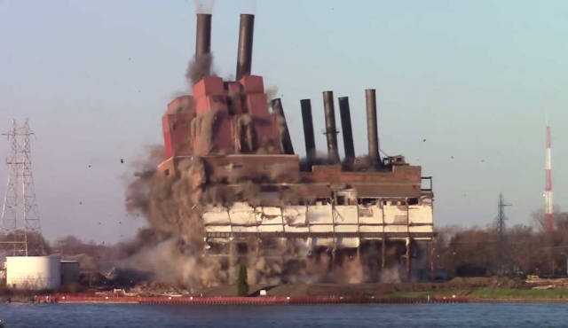 Imploding of the Marysville Power Plant