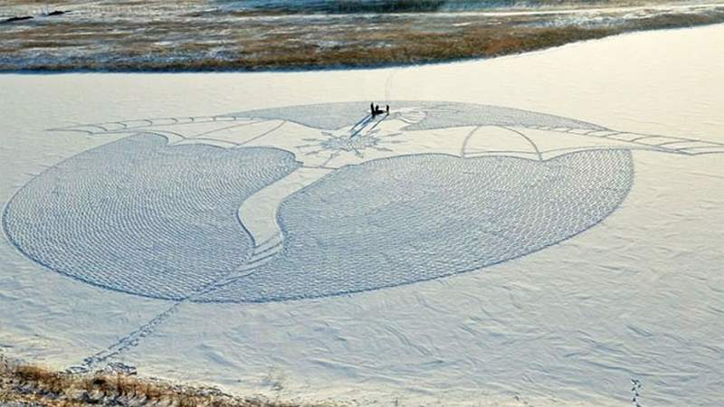 Impressive large-scale Snow Dragon (4)