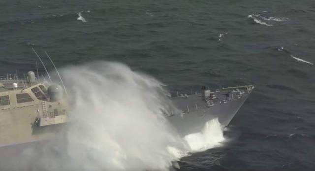 Littoral Combat Ship at high speed (1)