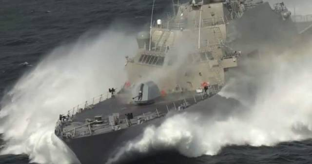 Littoral Combat Ship at high speed