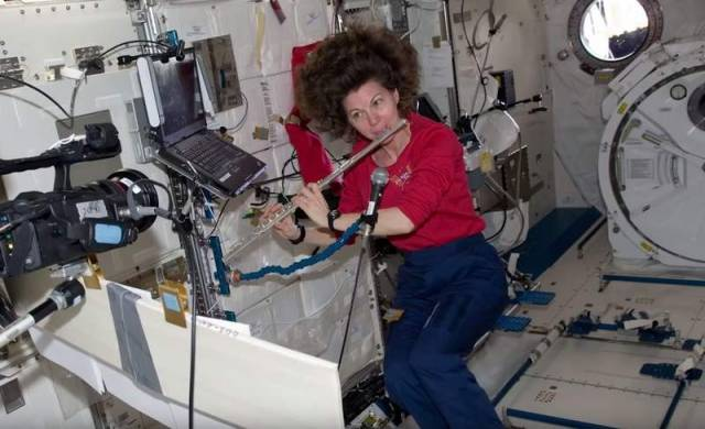 How to become an Astronaut (1)