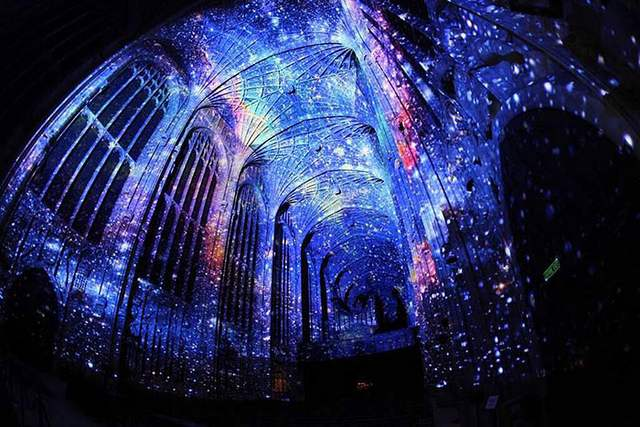 Projection Mapping on King's College Chapel (9)