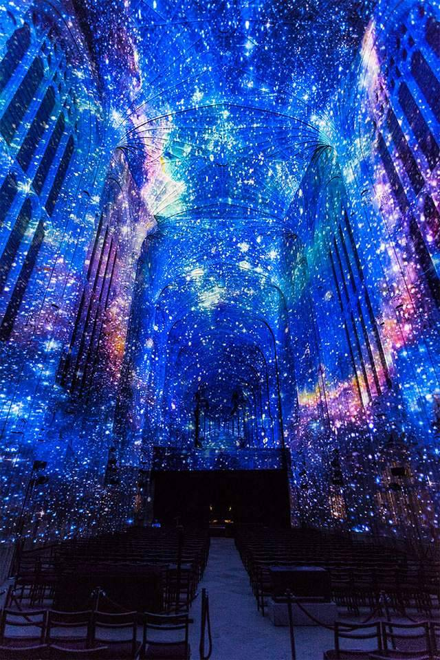 Projection Mapping on King's College Chapel (8)
