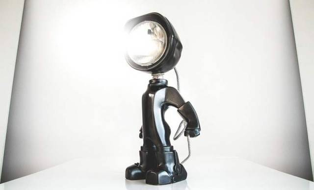 The Lampster little robot Lamp (7)