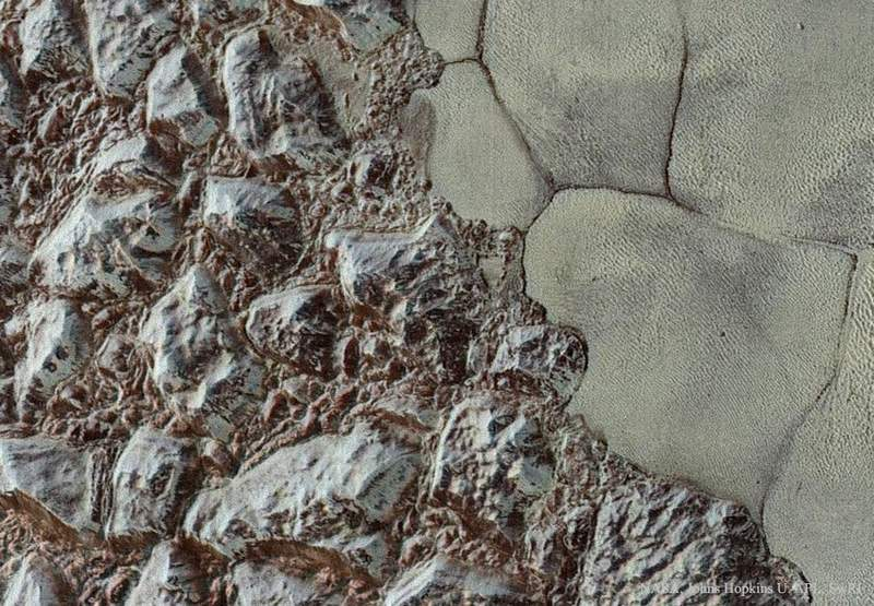 New amazing images from Pluto's surface (5)