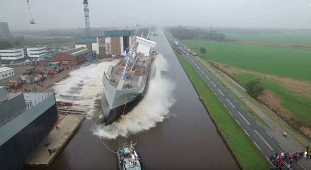 Watch how this ship launched first time on water (1)
