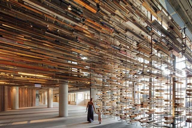 Hotel Hotel interior created by recycling pieces of wood (5)