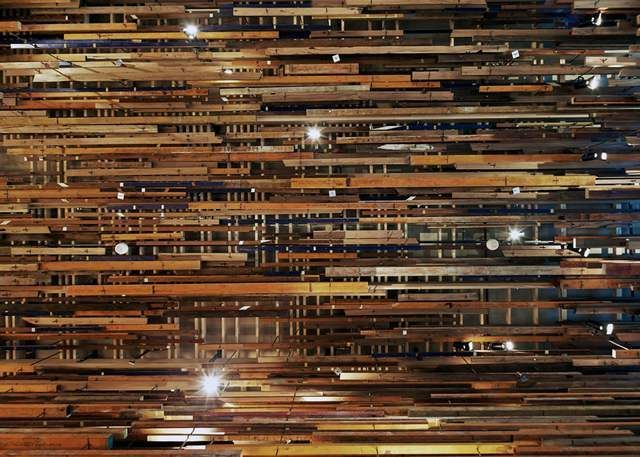 Hotel Hotel interior created by recycling pieces of wood (3)