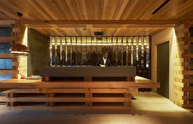 Hotel Hotel interior created by recycling pieces of wood (2)