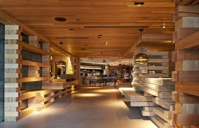Hotel Hotel interior created by recycling pieces of wood (1)