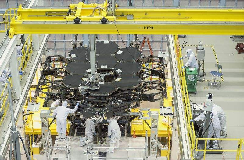 James Webb Space Telescope has now half its Mirrors