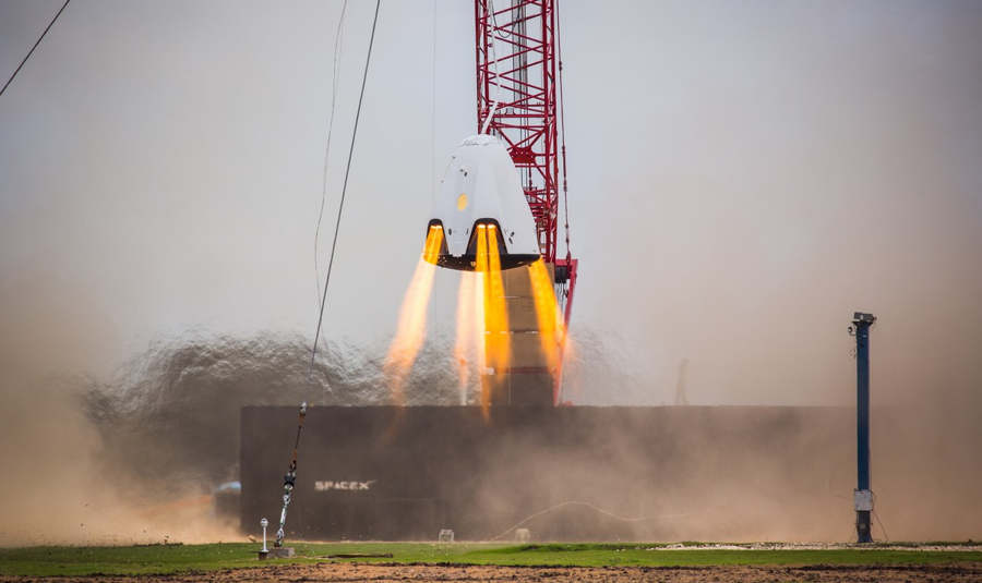SpaceX Dragon 2 successful Propulsive Hover Test