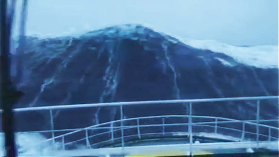 100-Foot Wave Smashing a Ship