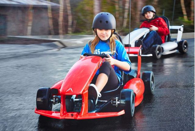 Electric Go-Kart Is a Tesla for kids (3)