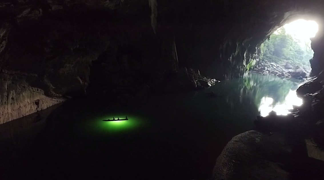 Exploring the Tham Khoun Xe one of the world's Largest River Cave