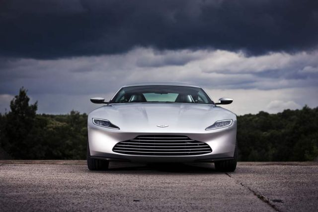 James Bond's Aston Martin DB10 (3)