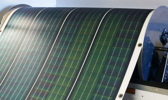 Roll-Array, a solar array that rolls out like a carpet (1)