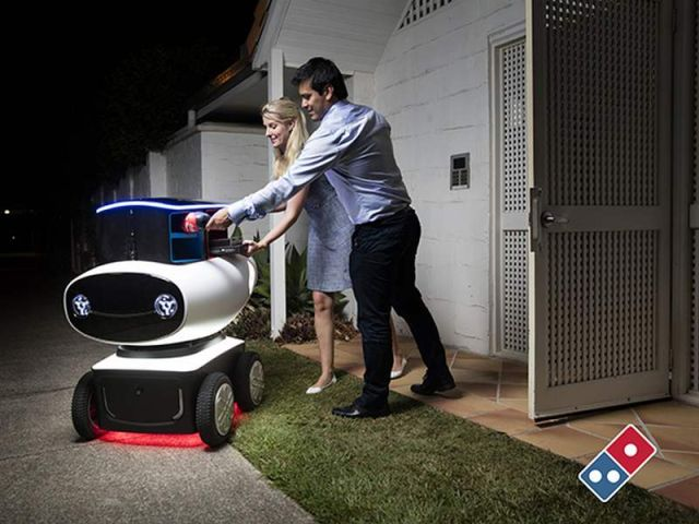 Domino self-driving Pizza delivery robot