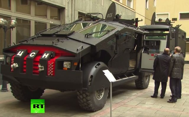 Putin inspects special Security Service vehicles