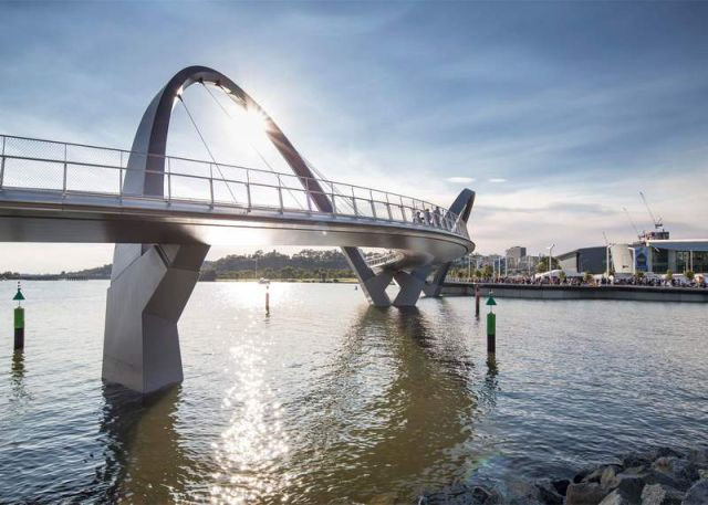 Cable Stayed Bridge >> The Bridge across Perth's Swan River | wordlessTech