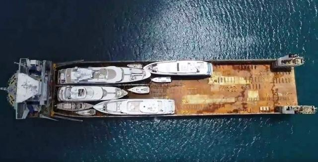 Yacht Carrier sinks and then rises to Transport them