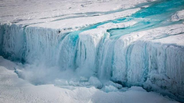 Melt waterfall into Nansen ice shelf fracture