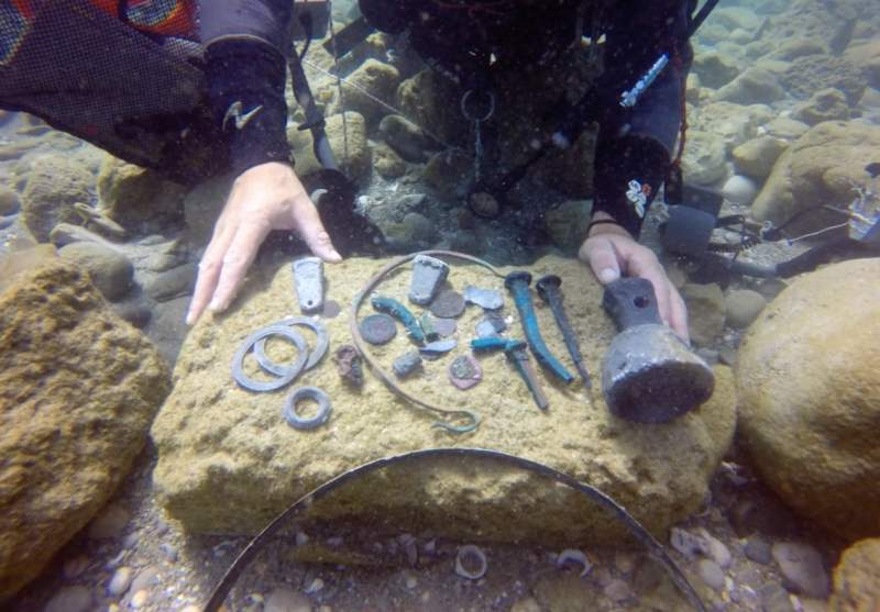 Ancient Roman Treasure discovered inside a Shipwreck