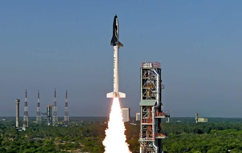wordlessTech | India's first small Space Shuttle Launch