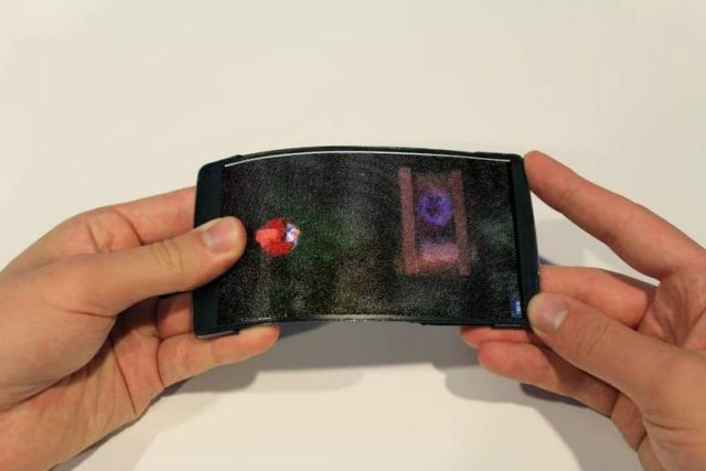 Smartphone projects 3D images