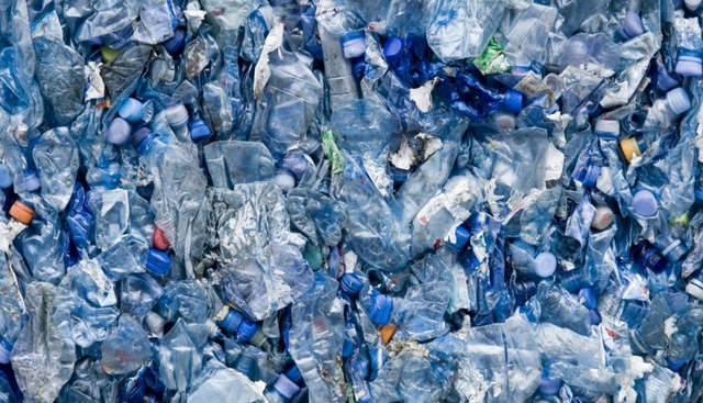 A new way to turn Plastic Waste into Liquid Fuel