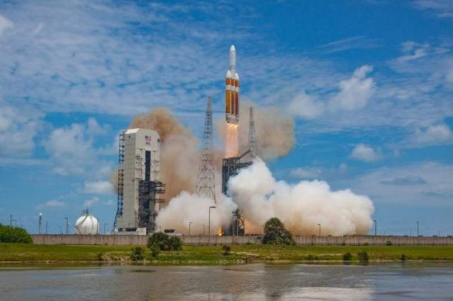 Delta IV Heavy world's Largest Rocket Launch (2)