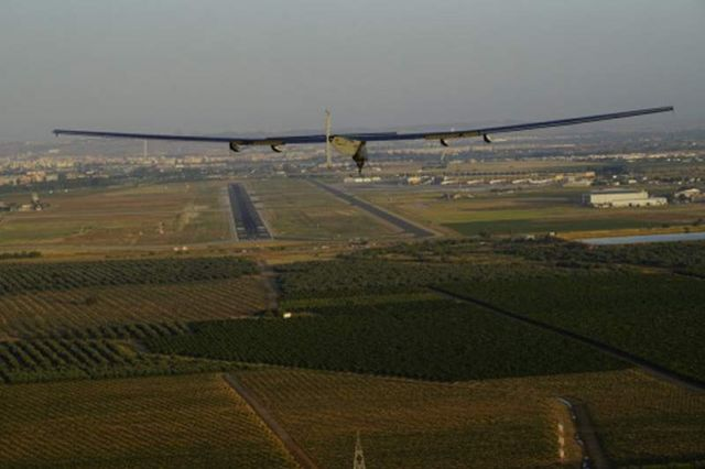 First aircraft to cross the Atlantic on Solar Power