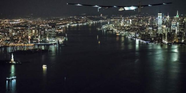 Solar Impulse fly-by past the Statue of Liberty (4)