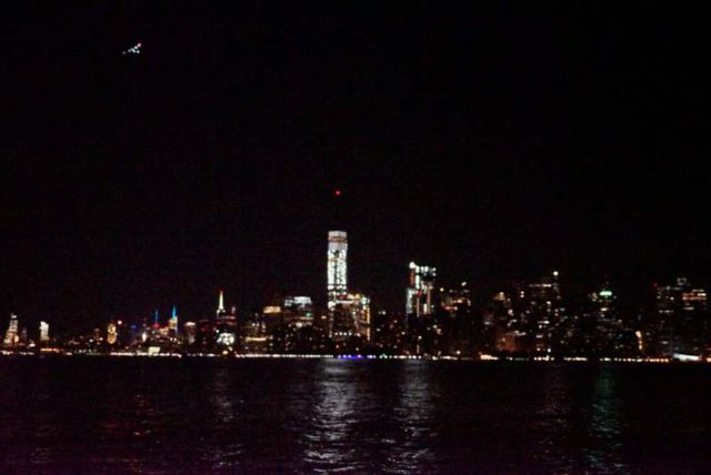 Solar Impulse fly-by past the Statue of Liberty (2)