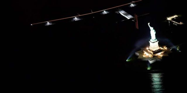 Solar Impulse fly-by past the Statue of Liberty (1)