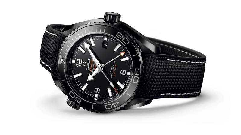 The Seamaster Ceramic 'Deep Black' (6)