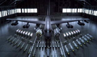 The weapons that a B-52 Bomber can hold