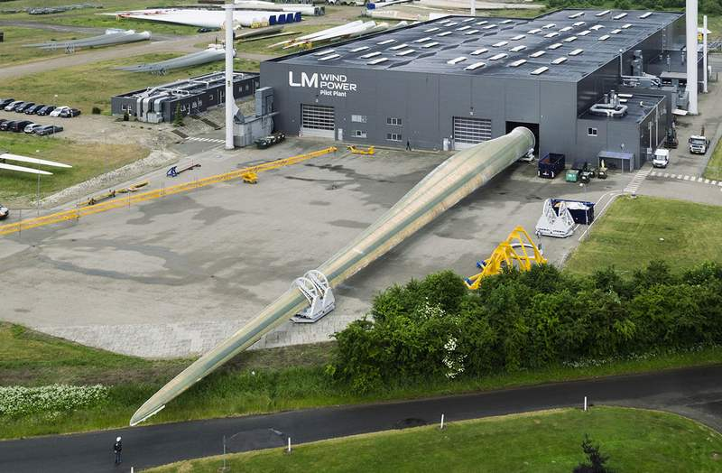 This is the longest Wind Turbine Blade in the world | wordlessTech