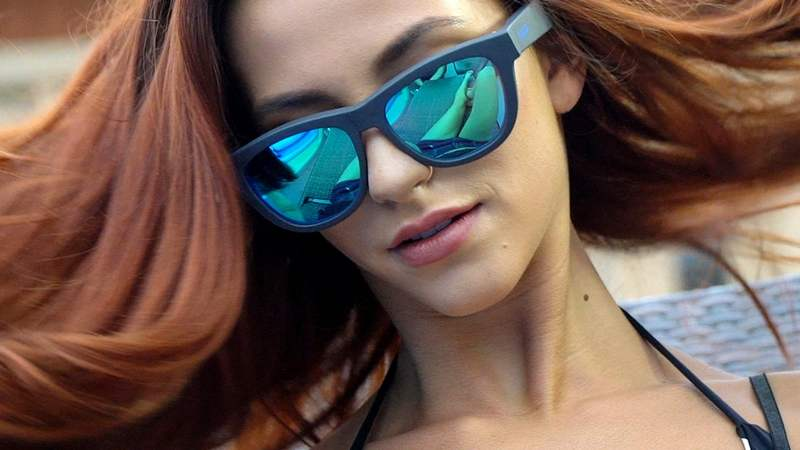 Zungle - sunglasses with in bone conduction Speakers