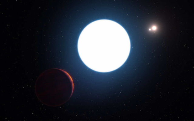 A Exoplanet with Three Suns (1)