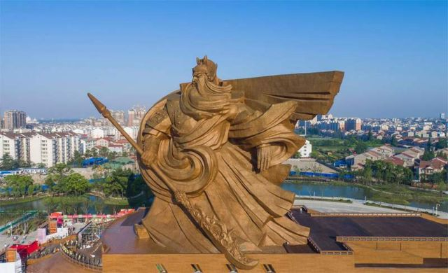 Ancient warrior/god Guan Yu statue (3)