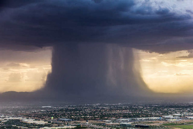 Incredibly Powerful Microburst Storm (1)