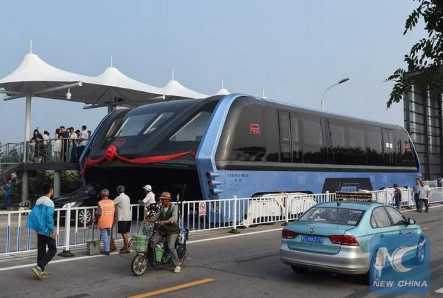 World's first Transit Elevated Bus (3)