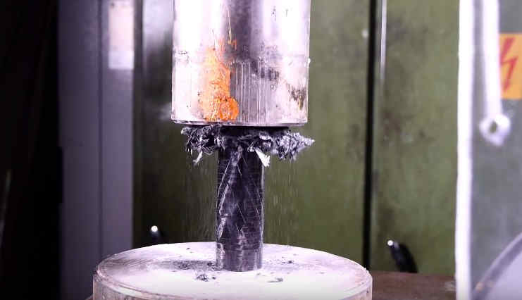 Carbon fiber vs. hydraulic press (1)