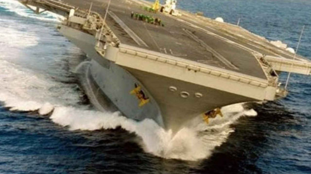 Extreme Rudder Test at an Aircraft carrier 2