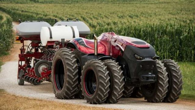 Self-driving tractor it's here (3)